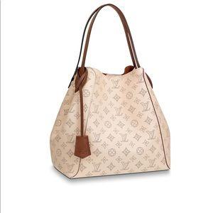 Louis Vuitton HINA MM bag